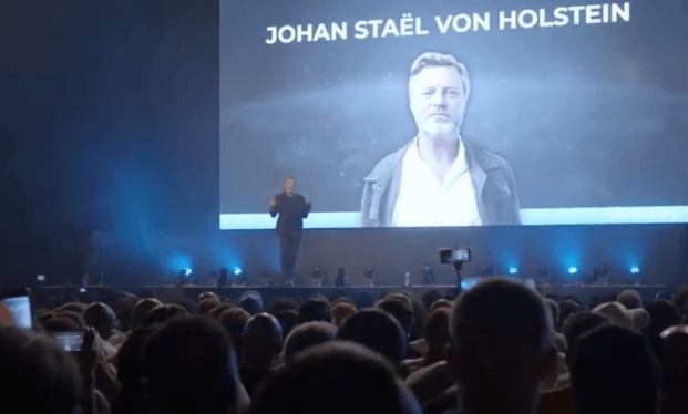 Johan Stael van Holden cRowd 1 CEO talking at durban launch